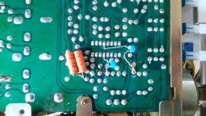 PIONEER FM STEREO TUNER F-2050 PA1002 故障のミュート回路をパス