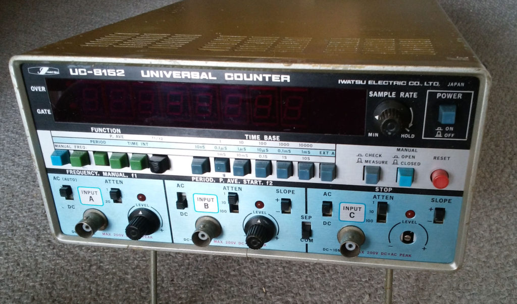 岩通 IWATSU UC-8152 UNIVERSAL COUNTER 100MHz のリペア後
