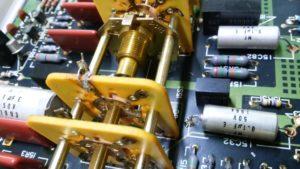 IWATSU SS-5711C 分解して修理しました
