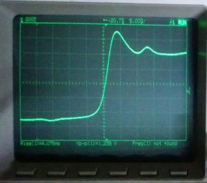 H54601Aの自己校正用の自作パルスジェネレータの立ち上がり波形