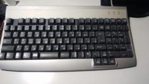 バックアップ用富士通製品添付のキーボード