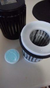 卓上空気清浄機のフィルターに東芝 消臭ジェル エアリオンを追加